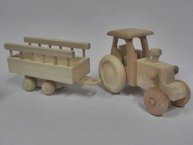 Dettagli su Trattore con Rimorchio Giocattolo in Legno Regalo Regalo di Compleanno per Bambini Craft Decoupage mostra il titolo originale